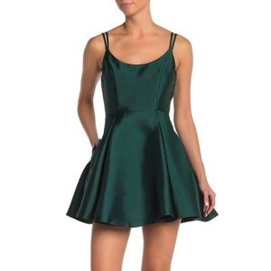 ROW A Scoop Neck Dress Fit & Flare Emerald Green